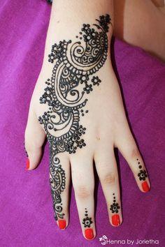 Henna Hand - Paisley Henna Hand