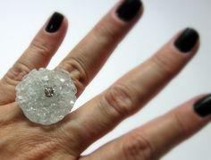 MAXI ANEL   vidro marmorizado   strass  base metal n 20 - ajustável   2,5 x 2,5 cm R$37,00