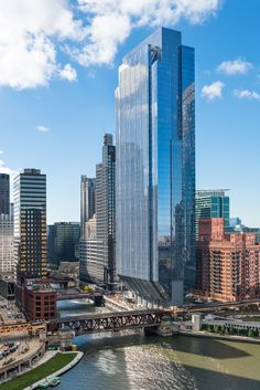 Gallery of 150 North Riverside / Goettsch Partners - 7