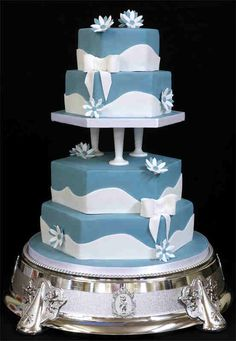 A whimsical cake for a blue and white wedding
