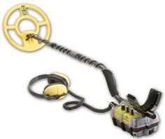 BeachHunter® 300 Metal Detector - Provides optimum detection on the sand and in the water