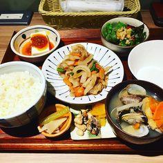 2016/10/31 13:27:30 takahashimasi ぶっ倒れた身体を復活すべく「atari CAFE&DINING 渋谷モディ店」へ。 リフレッシュ定食+貝汁変更。美味し❤パワーを貰った! これで今週もライドンできる!  #Rideon #やるで #やったんで  #愛  #shibuya #modi #atari #cafe #diner #dining  #food #art #music #tokyo #drink #sweets #lifestyle #japan #tokyo  #music #lunch #beer #健康 #ケール #party #東京 #渋谷 #halloween 渋谷 Modi #健康