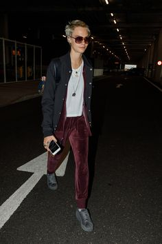 2017 > August 21 - Arrives at Heathrow Airport in London