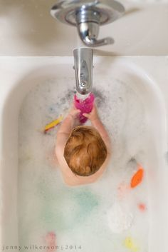 365 Project   |   Week 25, shooting everyday, 365 photography project, lifestyle photography, baby toddler and child lifestyle photography, Bathtime, bubble bath, birds eye view, Toddler baby portrait