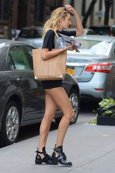 Really, those legs don't quit. They don't even take a vacation.#CandiceSwanepoel out in New York City
