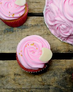 Amy's Confectionery Adventures: I Love to the Moon & Back Cupcakes