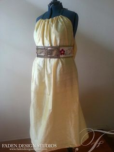 A commissioned version of out Shae dress. www.fadendesignstuiods.com #gameofthrones #Shae #kingslandingdress #shaedress