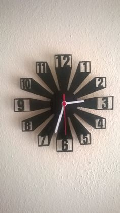 Hodiny on the wall print clock