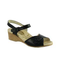 Pour cet été soyez à la pointe de la mode avec les sandales allemandes Wörishofer ! Ce modèle original est une sandale à boucle et bride cheville en cuir lisse noir. Fabriquées en Allemagne, ultra confortables de ...
