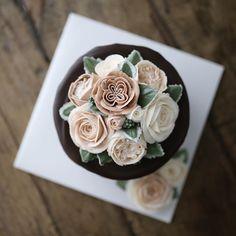 버터크림플라워케익 심화 첫 수업날 ~~ _ #흘러내려가나슈 #플라워케이크 #플라워케익 #대구플라워케이크 #버터크림플라워케이크 #꽃 #꽃케이크…