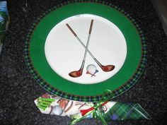 golf theme paper plates and napkins tied with golf tees