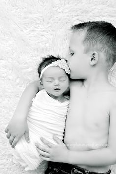 JANE Edit bw 2 BABY A DAYS NEW}…St George, Utah Newborn Baby Photography Studio naissance part naissance bebe faire part felicitation baby boy clothes girl tips Newborn Family Pictures, Newborn Baby Photos, Baby Girl Photos, Newborn Shoot, Baby Girl Newborn, Sibling Photos, Family Photos, Newborn Photography Poses, Newborn Baby Photography