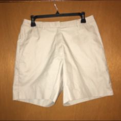 Brooks brothers chino shorts Khaki chino shorts. Longer length. Size 8. Gently used smoke free. Brooks Brothers Shorts Bermudas