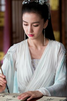 asian women portrayed slaying the dragon This is a list of dragons in literature for dragons in other media, see the list of dragons in popular culture  for dragons from legends and mythology, see the list of dragons in mythology and folklore.