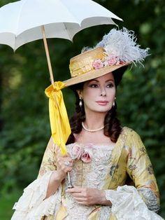Edwige Fenech Caterina II di Russia - La figlia del capitano 2012