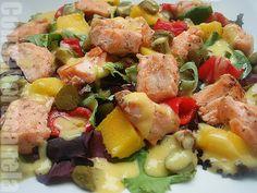 Ensalada  de salmón con vinagreta de mango