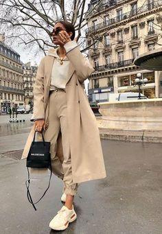 30 pretty fashion outfits for women - fashion trend 2019 - fash .- 30 hübsche Mode-Outfits für Frauen – Modetrend 2019 – fashion trends – 30 pretty fashion outfits for women – fashion trend 2019 – fashion trends – # pretty - Winter Fashion Outfits, Look Fashion, Autumn Fashion, Woman Fashion, Spring Fashion, Trendy Fashion, Paris Winter Fashion, Fashion Dresses, Fashion 2018