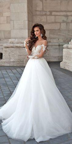 cd0376b4fa 13 Best Flowing Wedding Dresses images in 2019 | Dream wedding ...