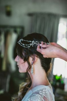 vintage-inspired bridal accessories, photo by EPLove http://ruffledblog.com/castle-house-garden-wedding #headpiece #bridal #accessories