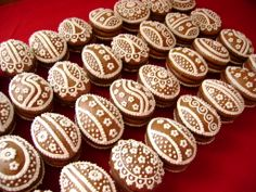 3D perníková vejce Easter Treats, Easter Recipes, Sugar Cookies, Gingerbread Cookies, Holiday, Desserts, Cakes, Decorated Cookies, Wafer Cookies