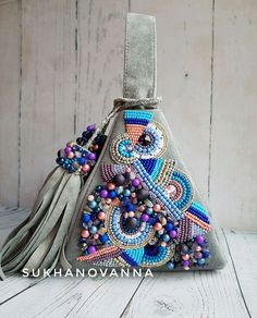 Ankle Jewelry, Metal Jewelry, Handmade Handbags, Soutache Jewelry, Beaded Bags, Hand Embroidery Designs, Summer Bags, Bead Art, Beautiful Bags