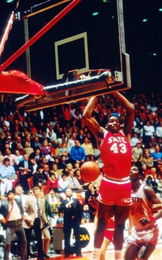 The alley-opp play was created and made famous by N.C. State's David Thompson and Monte Towe. That duo would give the Wolfpack their first NCAA Championship in 1974. Ironically, NCSU would win the tourney again in 1983...from a last second dunk by Lorenzo Charles, via an alley-opp pass thrown by Dereck Whittenburg. GO PACK!