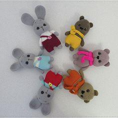 Crochet bunny and bear amigurumi Crochet Bunny Pattern, Crochet Teddy, Crochet Animal Patterns, Easter Crochet, Crochet Bear, Crochet Home, Stuffed Animal Patterns, Amigurumi Patterns, Knitting Yarn Diy