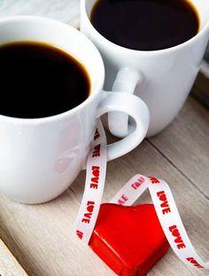 UN RÉVEIL EN DOUCEUR, DEUX CAFÉS ... POUR FÊTER L'AMOUR .... ! ET LA VIE ...
