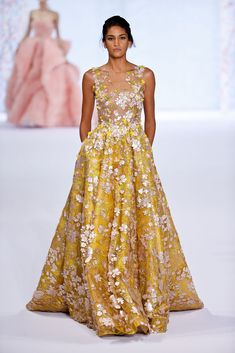Ralph & Russo Spring 2016 Couture: Nieves Alvarez