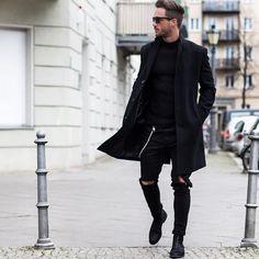 """Daniel på Instagram: """"All #black Have a nice day! #streets"""""""