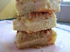 Appelkruimelcake met vanillepudding