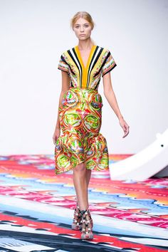 Rio de Janeiro by Peter Pilotto  Would love to be wearing this in Brasil!