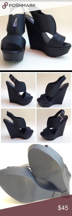 """Steve Madden Xander Women US 6 Black Wedge Sandal S I Z E: 6M F A B R I C C O N T E N T: ALL MANMADE MATERIALS D E S C R I P T I O N:  • XANDER  • BLACK  M E A S U R E M E N T S:  • 5.75"""" HEEL  • WIDTH: MEDIUM (B,M)  C O N D I T I O N: GENTLY PRE-OWNED, WORN ONLY TWICE. EXCELLENT CONDITION. Comes with box. Steve Madden Shoes Wedges"""