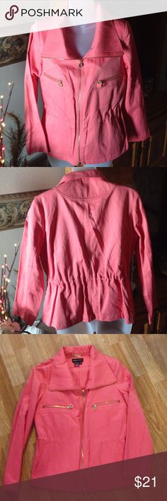 Dana Buchanan Jacket Dana Buchanan Dressy Jacket Size XS.  Full zip Front. 63% Cotton 37% Polyester. Great Preowned Condition. Any questions questions please ask. Thank You 😊. Note: color is coral Dana Buchman Jackets & Coats Blazers