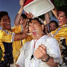 ALS Ice Bucket Challenge - Photo © Tony Anderson / Getty .Images raised 220 million Dollars