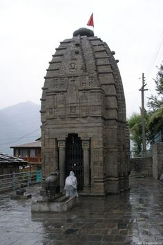 Gauri Shankar temple (a century protected monument) at Dashal village mtrs. from Sarsai) on the main left bank of the Kullu-Manali highway. Kullu Manali, 12th Century, Life Is An Adventure, Maine, Tours, Explore, Trance, Temples, Building