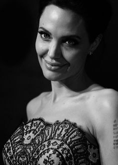 Angelina Jolie Photos - Image has been converted to Black & White) Angelina Jolie arrives at the world premiere of Unbroken at the State Theatre on November 2014 in Sydney, Australia. - 'Unbroken' Premieres in Sydney Angelina Jolie Photos, Jolie Pitt, World Most Beautiful Woman, Beautiful Places, Julia, Celebrity Hairstyles, Brad Pitt, Hollywood Actresses, American Actress
