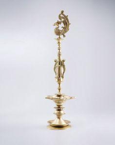 Oil LampBrass FloorSize: 68cmHandle With Care
