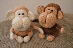 Описанием этих чудесных обезьянок поделилась группа В контакте Baby Bella's Knitshop.