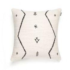 Sorting, Throw Pillows, Interior, Velvet, Cushions, Indoor, Interiors, Decorative Pillows, Decor Pillows