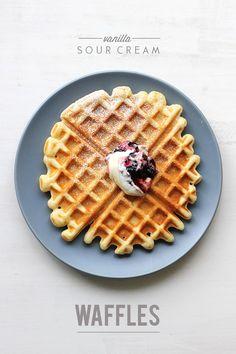 Vanilla Sour Cream Waffles // The Sugar Hit . my second fav waffle recipe to buttermilk waffles). makes 6 waffles. Sweet Breakfast, Breakfast Dishes, Breakfast Recipes, Breakfast Dessert, Waffle Recipes, Brunch Recipes, Cream Recipes, Fast Food, Pancakes And Waffles