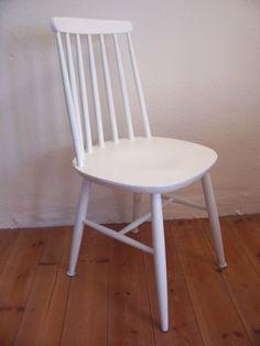 Vintage Stühle vintage stühle alter stuhl im nostalgischem shabby chic ein
