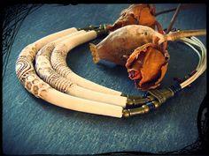 """(53) Tutoriel """"Tri Torque Ivoire"""" - YouTube Polymer Clay Flowers, Polymer Clay Necklace, Polymer Clay Beads, Clay Videos, Fleurs Diy, Clay Tutorials, Video Tutorials, Ceramic Jewelry, Ivoire"""