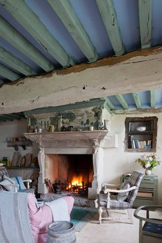best ideas for rustic painted furniture ideas annie sloan Rustic Painted Furniture, Annie Sloan Painted Furniture, French Furniture, Furniture Ideas, Cottage Furniture, Rustic French, French Farmhouse, Rustic Farmhouse, Style At Home