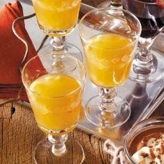 Das Rezept für Amaretto-Apfel-Punsch und weitere kostenlose Rezepte auf…