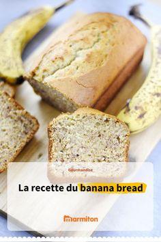 Banana bread, un gâteau moelleux et bien parfumé à la banane à réaliser pour le petit déj, le goûter ou le thé. Un gâteau venu d'Amérique qui va conquérir les papilles #marmiton #cuisine #recette #recettemarmiton #bananabread #banane