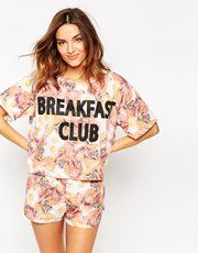 ASOS - Breakfast Club - Ensemble pyjama short et t-shirt