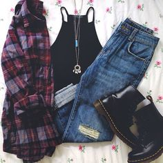 23 Awesome Grunge Outfits Ideas for Women : Grunge outfit idea Red wash flannel, black sleeveless T, torn jeans, black Doc Martens Tumblr Outfits, Grunge Outfits, Grunge Fashion, Look Fashion, Teen Fashion, Casual Outfits, Fashion Outfits, Womens Fashion, Dress Casual