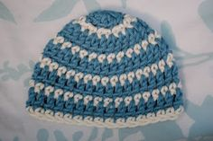 Alli Crafts: premie  ~ LINK CORRECT and pattern is FREE when I checked on 04/08/2015.  ~ NO size mentioned