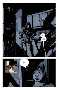 "Robert Kirkman (sc.), Paul Azaceta (rys.), ""Outcast #1: Otacza go ciemność"", Mucha Comics, 2016."